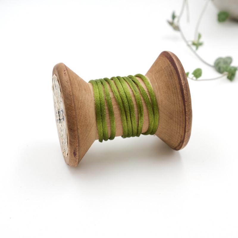 053-queue-de-rat-au-metre-cordon-pas-cher-au-metre-fil-pour-bracelet_vert-olive