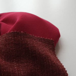 Tissu bordeaux